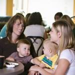 Petite enfance : le gouvernement donne la parole aux familles